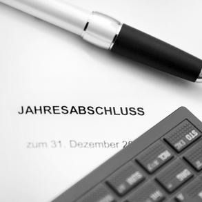 Jahresabschluss & Steuererklärung // Steuerberatung Geurink title=